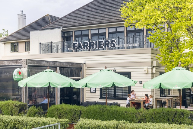 Lunch outside at Farriers