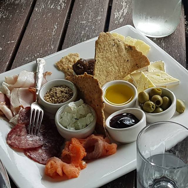 A delicious platter at Tiwaiwaka Wines