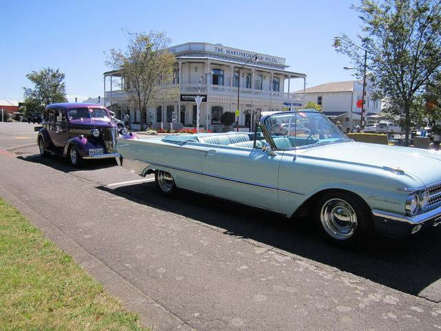 Classic Cars at Cruise Martinborough