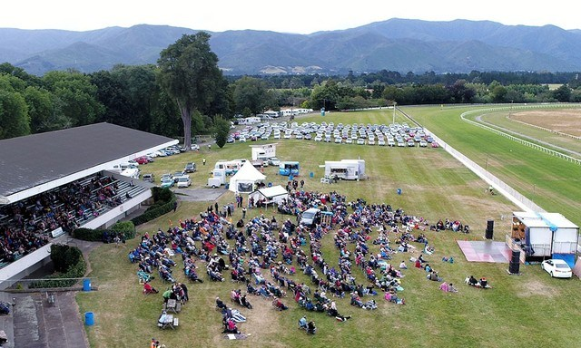 The picturesque Tauherenikau Racecourse is the perfect venue!