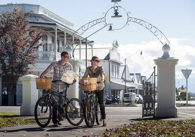 Cycle the vines in Martinborough